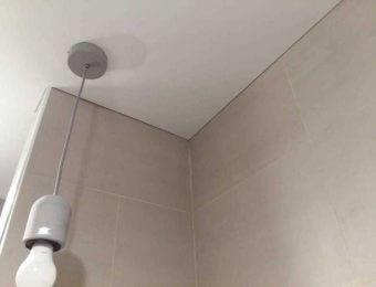 бесщелевой натяжной потолок дизайн интерьера