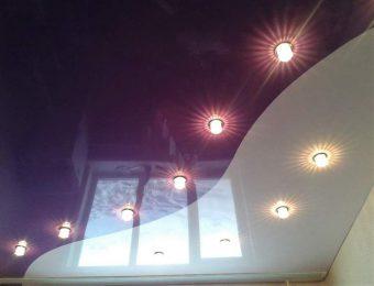 комбинированные натяжные потолки в интерьере