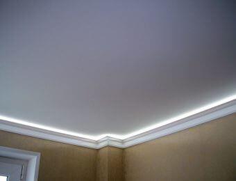 красивые натяжной потолок с подсветкой