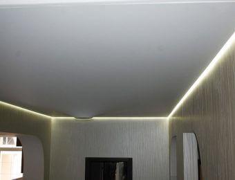 лучшие парящий натяжной потолок