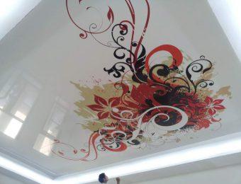 натяжной потолок с фотопечатью со светодиодами