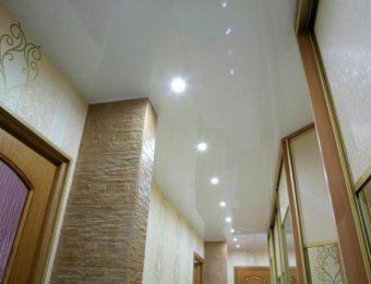 натяжной потолок в коридоре без нагрева