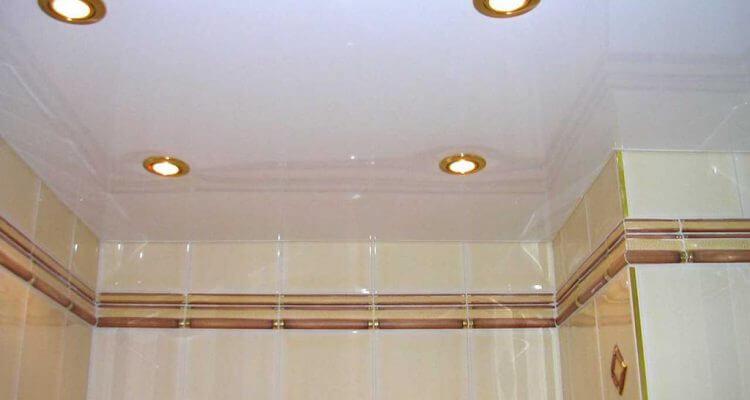 Натяжные потолки в ванной комнате в Москве