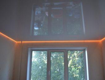 одноуровневые парящий натяжной потолок